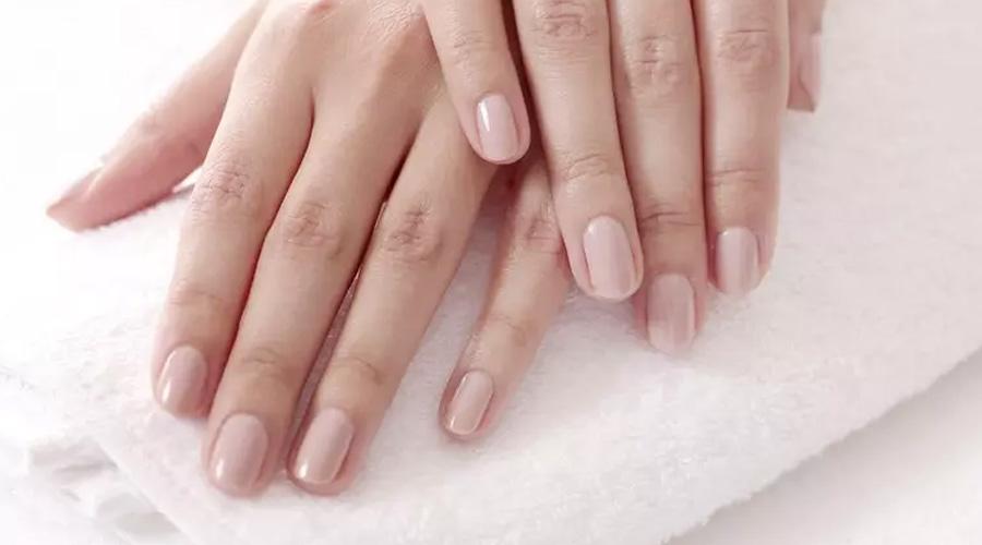 esmaltes de uñas natuales